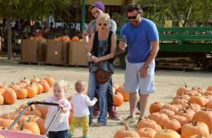 Tori Spelling : Branle-bas de combat avec ses enfants pour Halloween