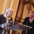 Gisèle Casadesus honorée par Bertrand Delanoë à Paris, le 24 Octobre 2013.