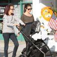 Exclusif - L'actrice Shiri Appleby avec sa mère Dina Bouader et sa fille Natalie Bouader a West Hollywood, le 25 octobre 2013