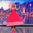 """Une chanteuse aux interminables jambes dans """"La France a un incroyable talent"""" saison 8. Mardi 29 octobre 2013."""