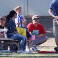 Britney Spears et son ex-mari Kevin Federline regardent leurs fils Sean Preston et Jayden James jouer au football à Calabasas, le 9 novembre 2013.
