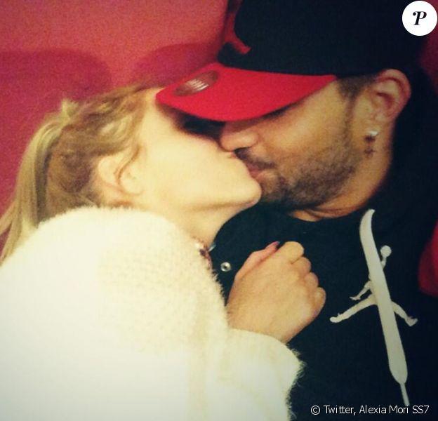 Alexia et Vincent forment de nouveau un couple. Ils ont posté cette photo sur Twitter