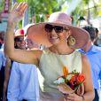 La reine Maxima des Pays-Bas dans les rues de Philipsburg, capitale de Saint-Martin, dans les Antilles Néerlandaises, le 13 novembre 2013