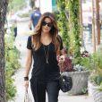 Eva Longoria fait du shopping à Los Angeles, le 13 novembre 2013.