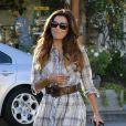 """Eva Longoria se rend dans le salon de coiffure """"Ken Paves"""" à West Hollywood, le 17 octobre 2013."""