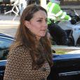 Kate Middleton, Duchesse de Cambridge, et le Prince William, Duc de Cambridge se rendent chez l'association Only Connect à Londres le 19 novembre 2013.