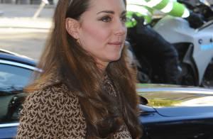 Kate Middleton, maman radieuse et duchesse chic, recycle son look avec élégance