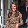 La Duchesse de Cambridge, Kate Middleton, dans une école à Oxford le 21 février 2012.