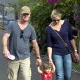 Craig Hemsworth, Leonie et India Rose sur l'ile de La Gomera aux îles Canaries en Espagne le 20 novembre 2013.