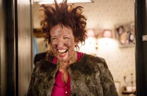 Roselyne Bachelot, décapante et indisciplinée, surprend dans Nos chers voisins !