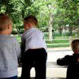Tom Dumont a posté en avril 2013 une photo de ses trois fils : Ace (7 ans), Rio (5 ans) et Koa (2 ans).
