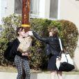 Emma Watson au naturel avec une amie à Los Angeles, le 26 novembre 2013.