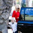 Gwen Stefani, enceinte, se rend chez ses parents pour le dîner de Thanksgiving avec son fils Zuma. Los Angeles, le 28 novembre 2013.