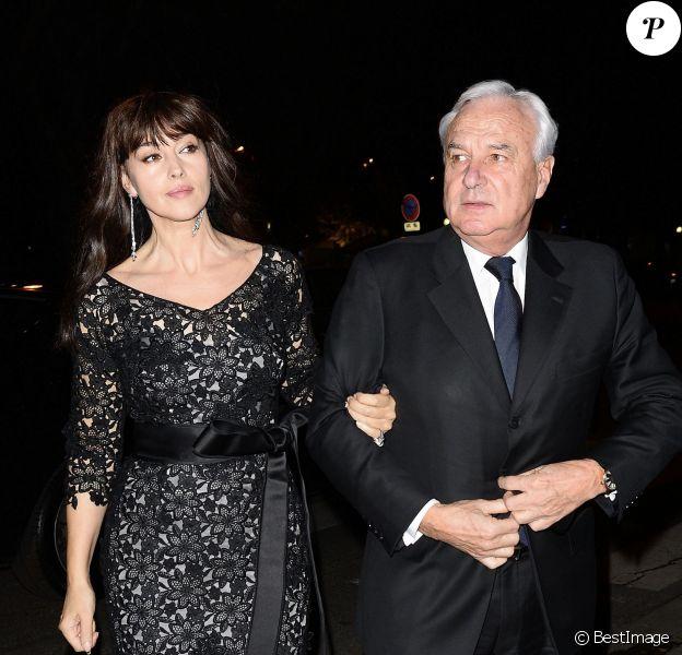 """Monica Bellucci et Bernard Fornas, ancien PDG de Cartier - Vernissage de l'exposition """"Cartier : Le style et l'histoire"""" au Grand Palais à Paris, le 2 decembre 2013."""