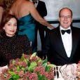 """Kristin Scott Thomas et Albert de Monaco - Vernissage de l'exposition """"Cartier : Le style et l'histoire"""" au Grand Palais à Paris, le 2 decembre 2013."""