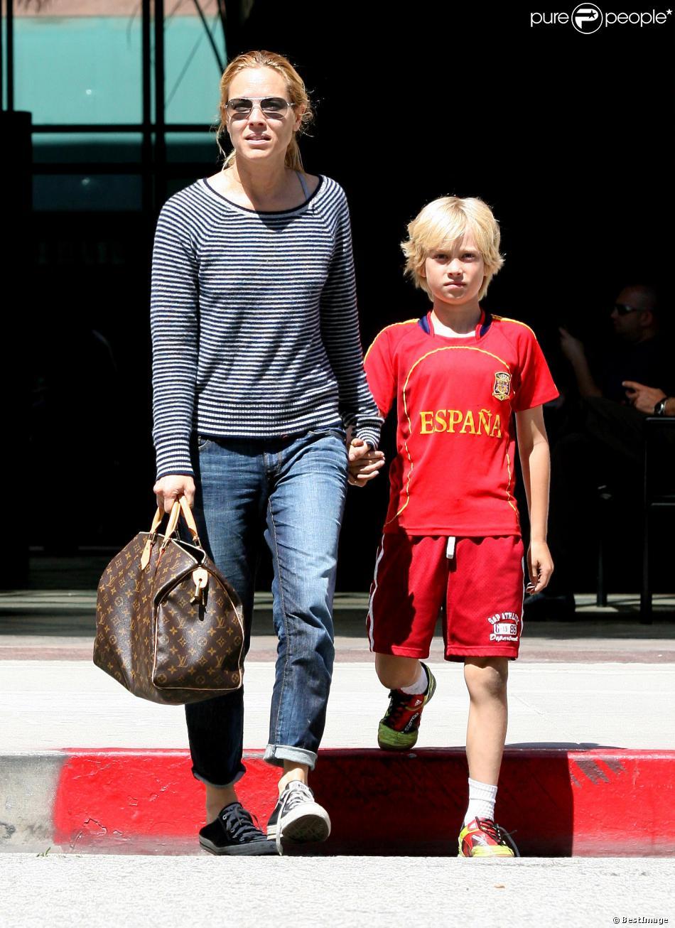 Maria Bello et son fils Jackson Blue McDermott à Beverly ...