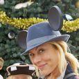 Maria Bello et son fils Jackson à Walt Disney World Resort; Lake Buena Vista, en novembre 2011.