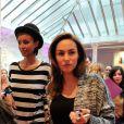 """Exclusif - Sonia Rolland et Vanessa Demouy lors de la 2eme édition du """"Spot des e-Fluent Mums"""", le salon des parents blogueurs, à l'espace Richelieu. Paris, le 4 décembre 2013."""