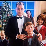 Robbie Williams et de délicieuses mères Noël dans ''Dream a Little Dream of Me''