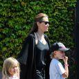 Angelina Jolie et ses filles Shiloh et Vivienne à Sydney, le 15 septembre 2013.