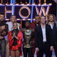 Tout l'équipe d'Ice Show durant le troisième prime de l'émission sur M6 à Paris, le 11 décembre 2013.