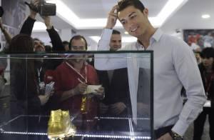 Cristiano Ronaldo: Ému et fier devant son fils pour l'ouverture de son musée