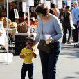 Exclusif - Dorothy et sa petite-fille Gemma au Farmer's Market à Pacific Palisades, le 15 décembre 2013.