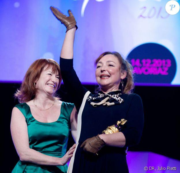 """Catherine Frot et Muriel Mayette-Holtz lors de la cérémonie des """"Femmes en Or 2013"""" à Avoriaz, le 14 décembre 2013."""