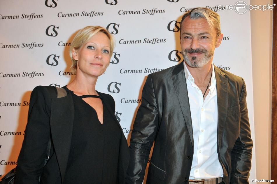 Rebecca Hampton et son compagnon Laurent Lombardo lors de l'inauguration de la nouvelle boutique Carmen Steffens à Cannes, le 13 décembre 2013