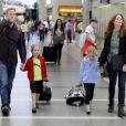 Marcia Cross, Tom Mahoney et leurs filles Eden et Savannah à l'aéroport de Los Angeles, le 14 août 2013.