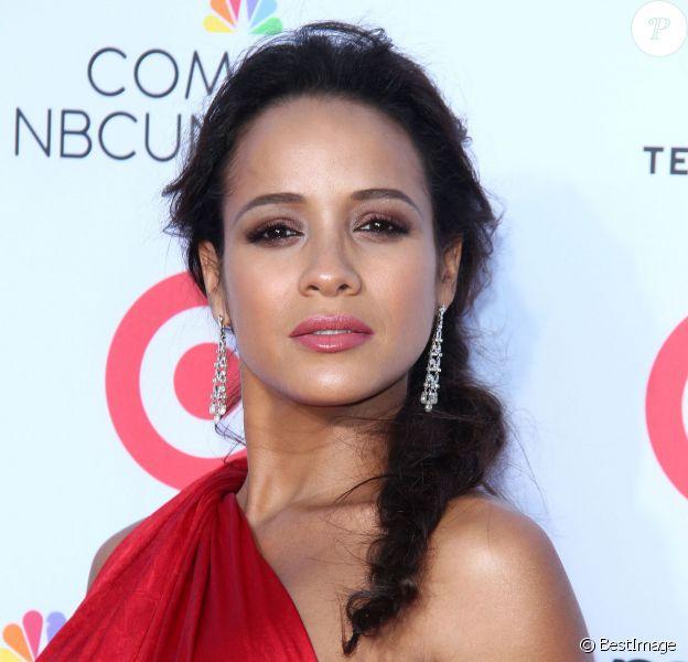 """Dania Ramirez (enceinte) à la soirée """"2013 NCLR ALMA Awards"""" à l'Auditorium de Pasadena en Californie, le 27 septembre 2013."""