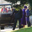 La reine Elizabeth II arrive à l'église de Sandringham pour la messe du 29 décembre 2013