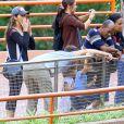 Matthew McConaughey avec sa femme Camila Alves et leurs enfants Levi, Vida et Livingston au zoo de Belo Horizonte (Brésil) le 29 décembre 2013