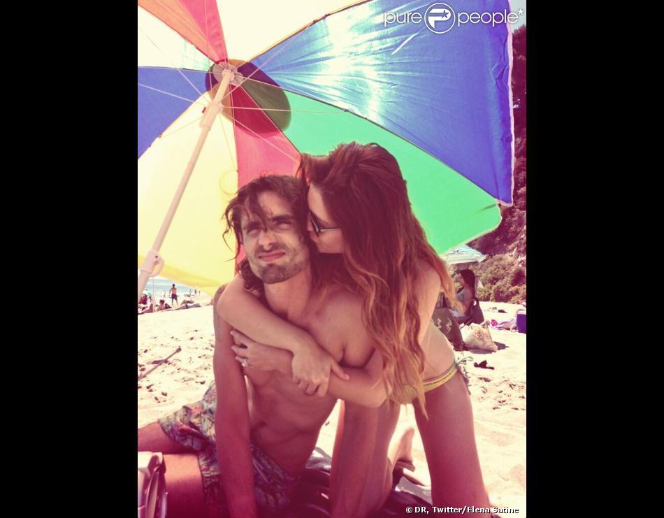 Elena Satine et Tyson Ritter des All-American Rejects en vacances en septembre 2013. Le rockeur et l'actrice ont célébré le 31 décembre 2013 leur mariage.