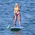 Ava Sambora, fille d'Heather Locklear, profitant du soleil d'Hawaii le 1er janvier 2014.