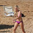 Ava Sambora, fille de Richard Sambora et Heather Locklear, profitant du soleil d'Hawaii le 1er janvier 2014.