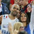 Tony Parker et sa belle Axelle à Ljubljana, le 22 septembre 2013 après sa victoire à l'Euro.