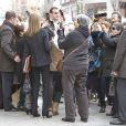 La princesse Letizia d'Espagne face à ses fans au sortir d'une réunion du comité de direction de la FEDER, la Fédération nationale des maladies rares, le 10 janvier 2014 à Madrid.