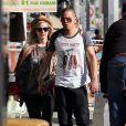Ashlee Simpson et son petit ami Evan Ross font du shopping à Los Angeles, le 29 décembre 2013.