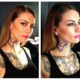 La belle Fanny Maurer a dévoilé des photos de ses récents tatouages sur son compte Facebook Lady Diamond. Ici on peut voir que son tatouage n'était pas achevé.