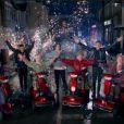 Les beaux gosses du groupe One Direction dans le clip de Midnight Memories.