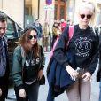 Kristen Stewart va faire du shopping chez Chanel à Paris, le 3 février 2014.