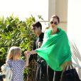 Vivienne, Maddox et Angie - Les Brangelina arrivent au LAX, Los Angeles, le 5 février 2014.