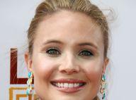 Leah Pipes aux anges : La ravissante actrice s'est fiancée