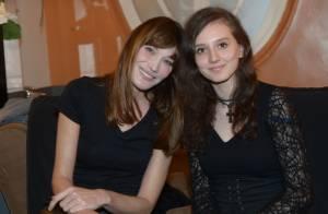 Carla Bruni, auprès de sa jeune fan Nora, touchée par le combat d'une mère