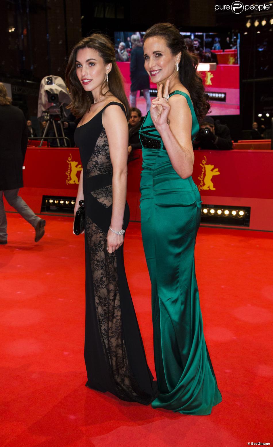Andie MacDowell et sa fille Rainey Qualley lors de la première du film Praia du Futuro lors du 64ème Festival International du Film de Berlin, le 11 février 2014.