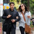 Jason Biggs et Jenny Mollen enceinte à New York le 3 octobre 2013.