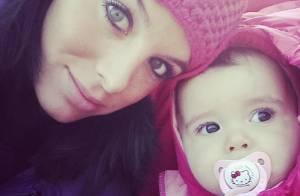 Jade Foret : Au bord de l'accouchement, elle profite de sa petite Liva