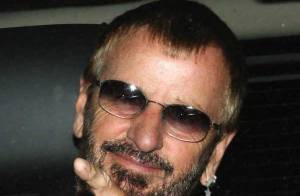PHOTOS : Ringo Starr sort sa James Bond Girl !