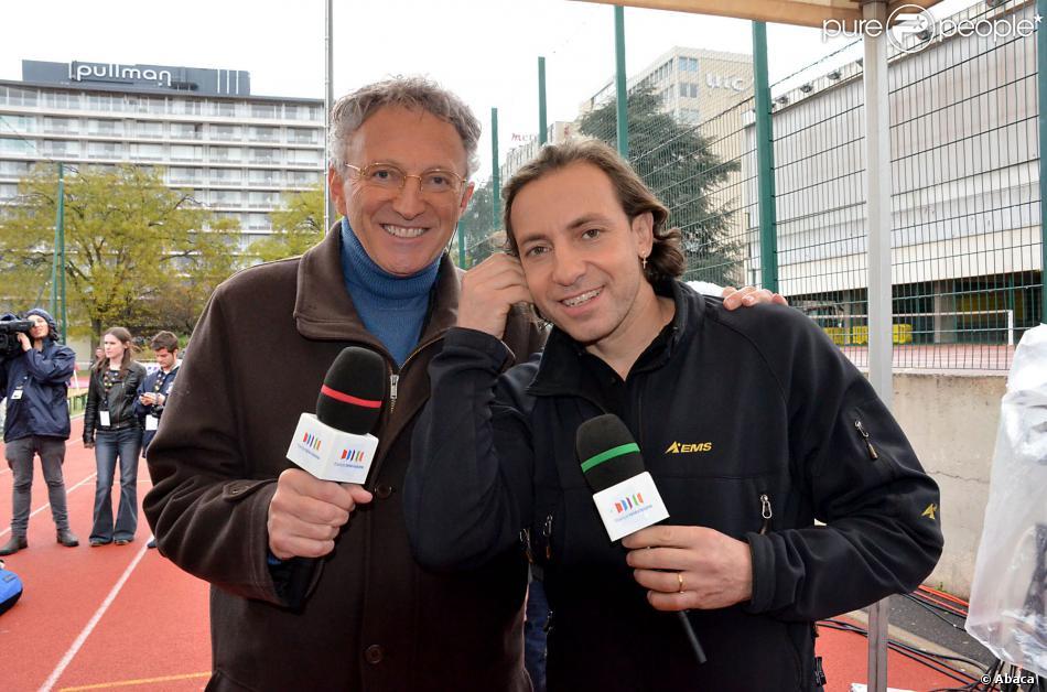 Nelson Monfort et Philippe Candeloro à Paris en décembre 2011.